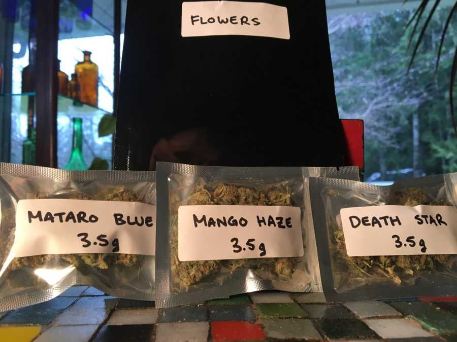 get-kush-unboxing-review-cannabis-flowers